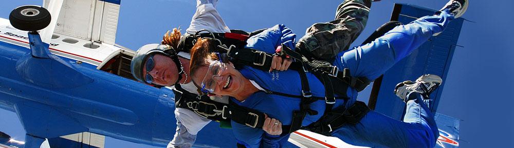 Tandem skydive exit