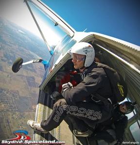 Skydiving hop n pop