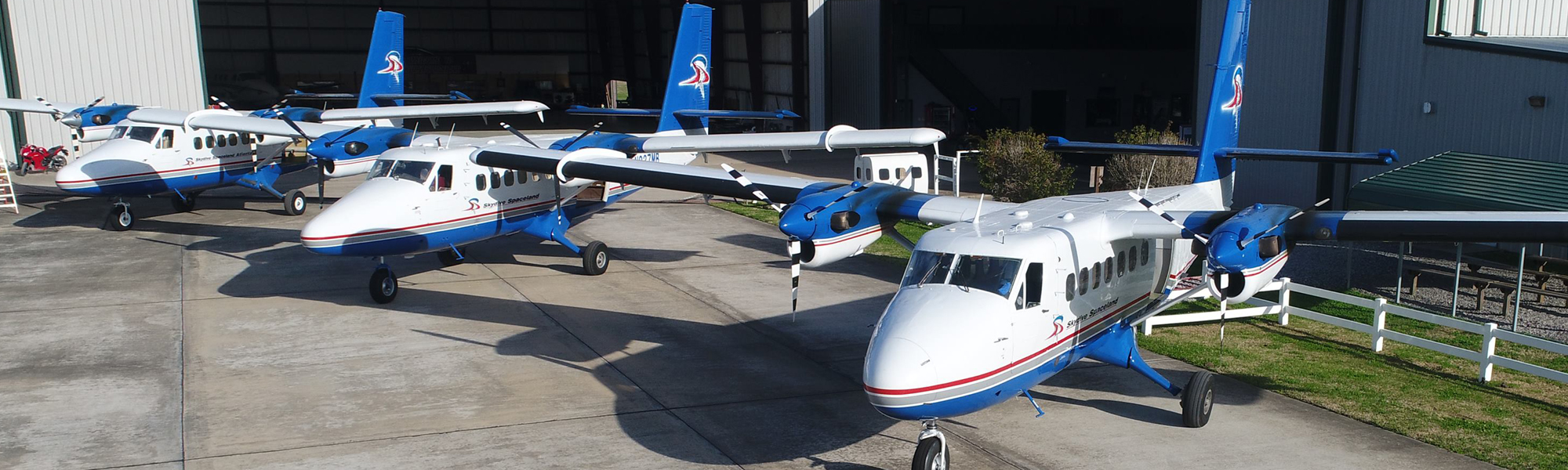 Aircraft flightline at Skydive Spaceland